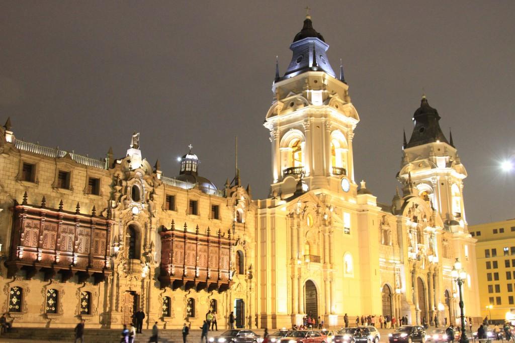 Lima-Peru-Down-Town-archbishops-palace